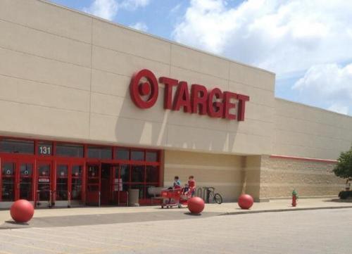 Target如何试图吸引妈妈和爸爸