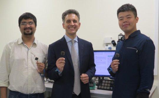 工程师发明了智能微芯片 可以在电池耗尽时自动启动和运行