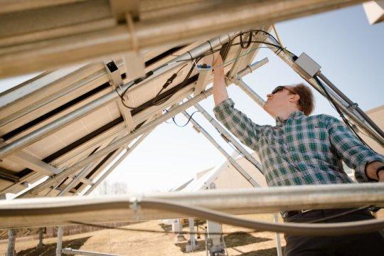 改变硅蚀刻的类型会使太阳能发电成本降低10%以上