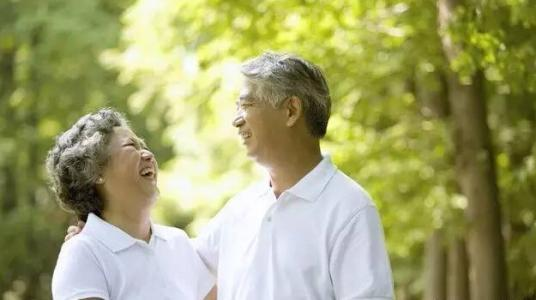 成年子女正在让父母退休