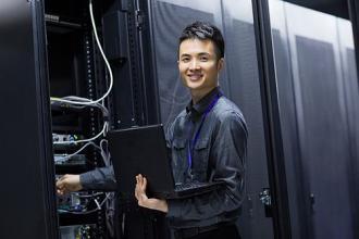 IT专业人员指导5G技术的发展和影响