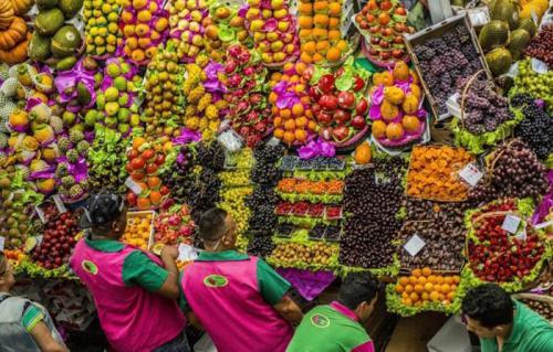 经济的困难使巴西市场崩溃