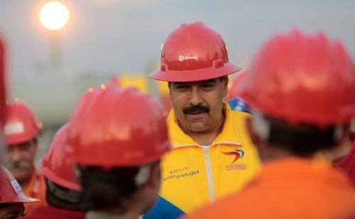 在委内瑞拉石油公司供应汽油的几天尾巴