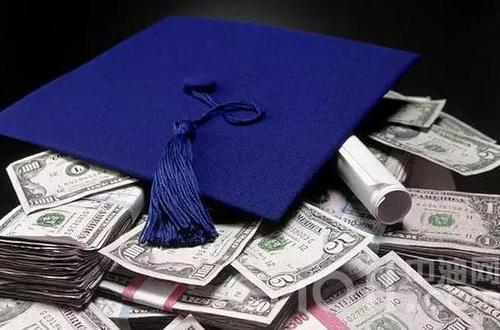 亚特兰大大学毕业演讲者承诺偿还学生的债务