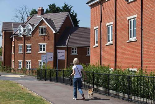 为什么房屋翻倒数字可能预示房屋市场出现问题