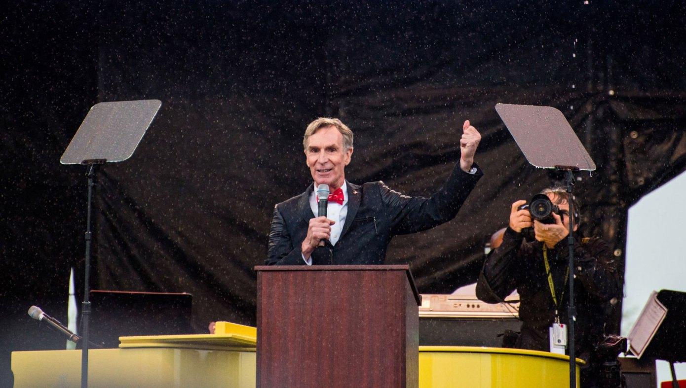 人工智能服务创业公司Hypergiant带来了Bill Nye作为顾问
