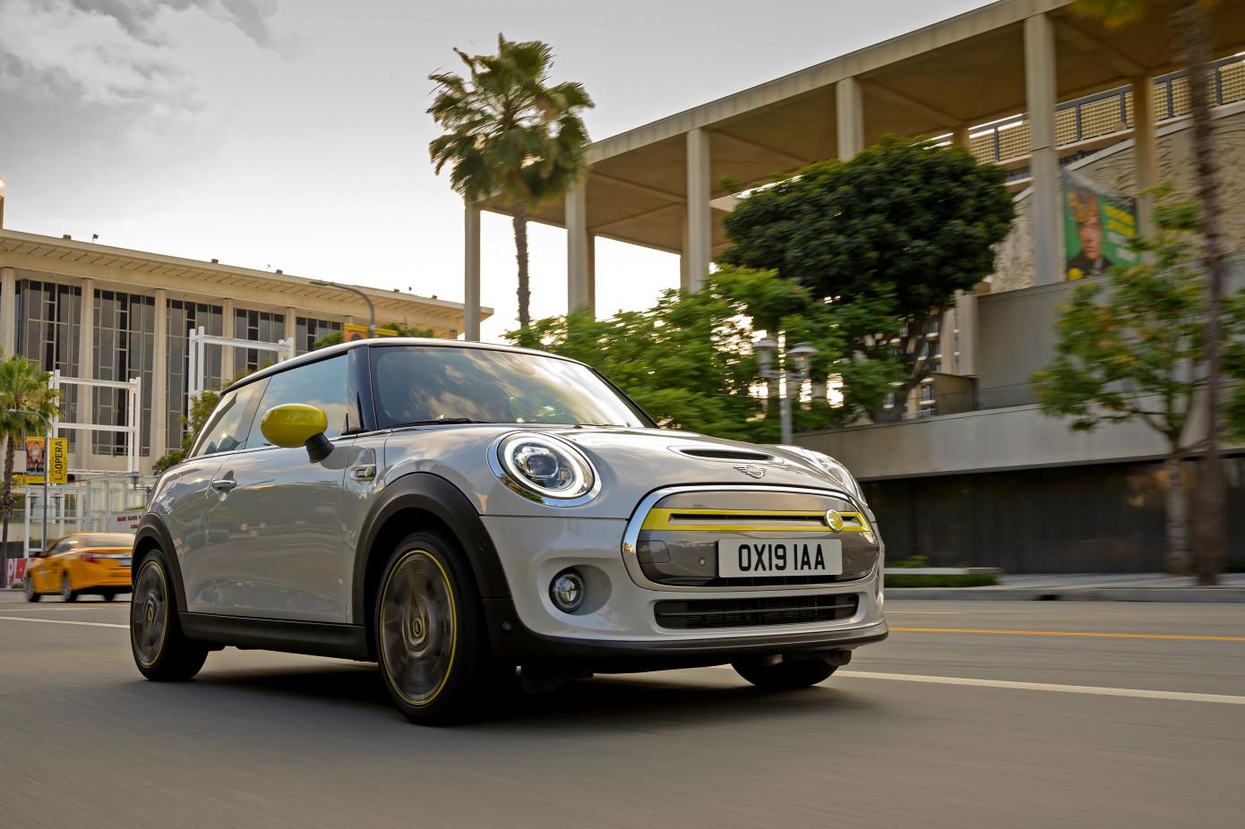 宝马推出首款采用Cooper SE的全电动Mini