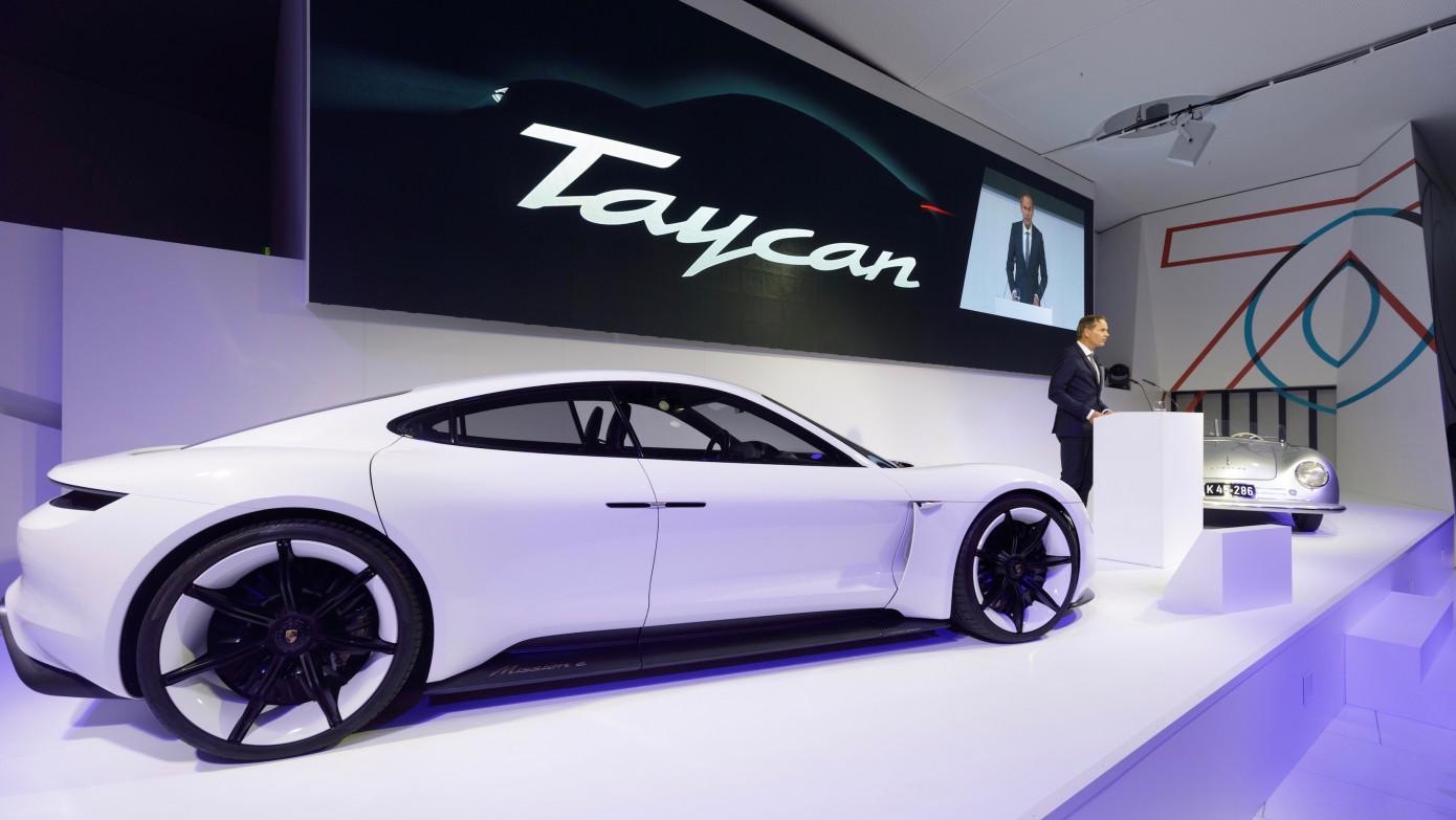 保时捷Taycan在全球首发之前预订超过30000