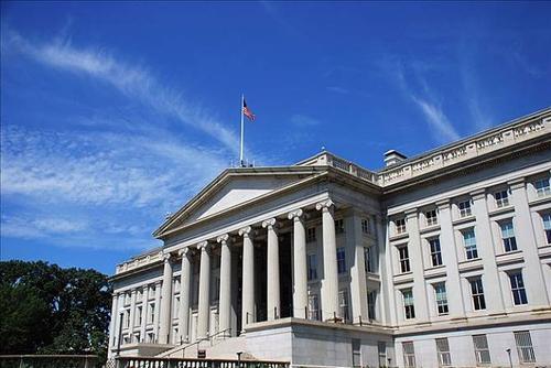 美国财政部刚刚将中国列为汇率操纵国