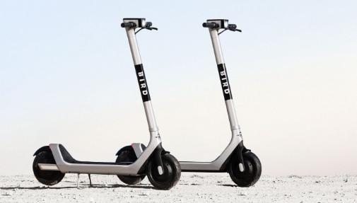 迈阿密在多利安将他们送到空中之前收集无人驾驶电动滑板车