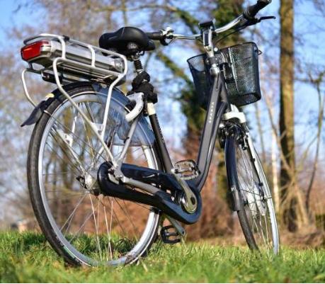 新底特律自行车店只出售电动自行车