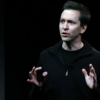 苹果公司的iOS主管周五售出95%(价值3870万美元)的股票