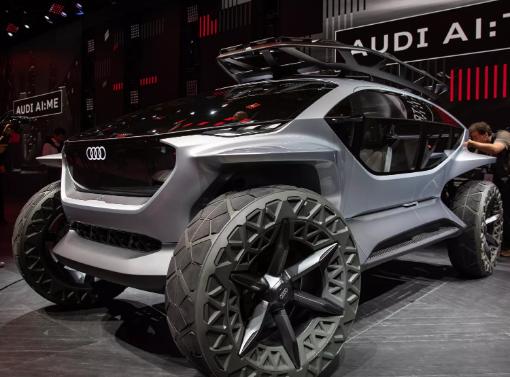 奥迪的AI:Trail Quattro自动驾驶EV概念车有无人机