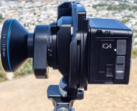 现在有一个超级高端的151万像素摄像头 适合风景摄影师使用