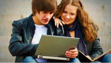 视频应用通过Facebook时间线获得强劲增长