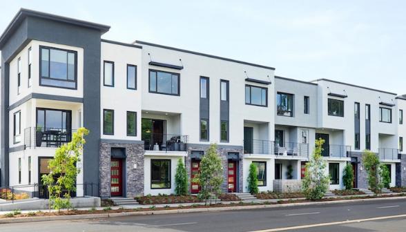 在加利福尼亚州尔湾市的一个前办公园区内 豪华联排别墅兴起