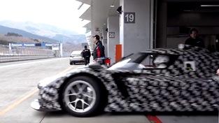 丰田章男测试为WEC全新Hypercar类设计的丰田赛车