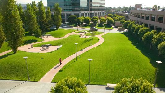 SWA为大通中心设计以人为本的景观和公共领域