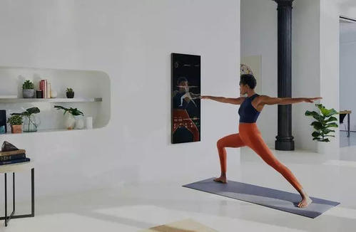 Mirror宣布将添加实时个人培训通过使用Mirror的内置摄像头不用时可将其盖上镜头盖以保护隐私