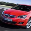 他将他的Opel Astra改造成奥迪R8