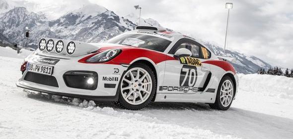 冰雪保时捷Cayman GT4 Rallye的演示运行