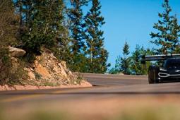 罗曼 杜马斯在美国完成ID R Pikes Peak的首次测试