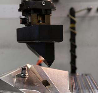 机器人使用堆叠的尖刺颗粒构建突破性的ICDAggregatePavilion