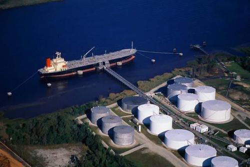 沙特原油与俄罗斯原油的价格战令本已不堪重负的市场雪上加霜
