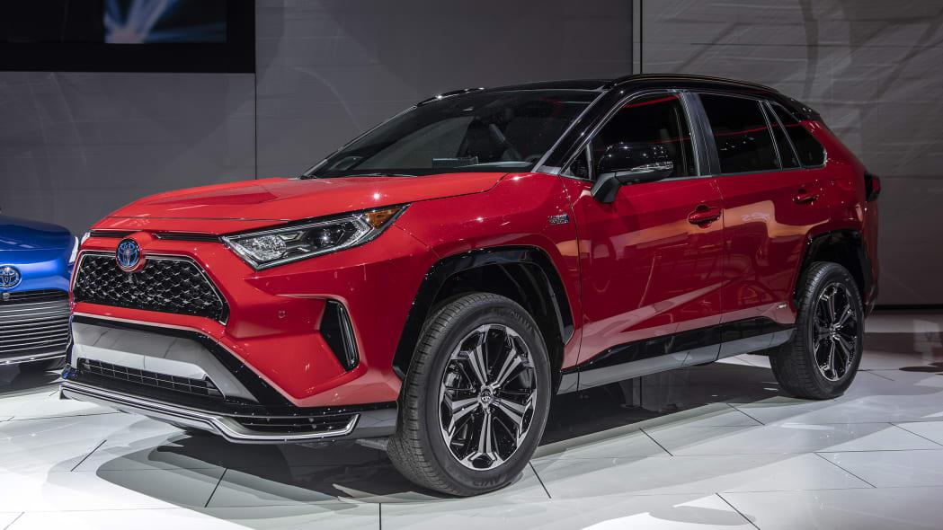 2021年丰田RAV4 Prime售价不到4万美元但是功率超过了300 hp