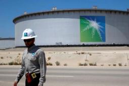沙特阿美减少了对12个亚洲买家的石油合约条款的供应量