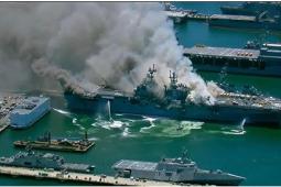 美军一两栖攻击舰爆炸起火21伤 该舰艇可能会燃烧数日