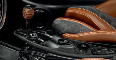 帕加尼Huayra BC Roadster非常漂亮 足以证明其340万美元的价格