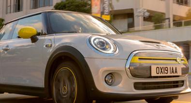 纯粹的2020MiniCooperSE纯电动车在全球引起了很大的兴趣