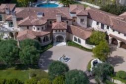 现代家庭明星索非亚维加拉SofiaVergara斥资3800万美元购买比佛利山庄豪宅