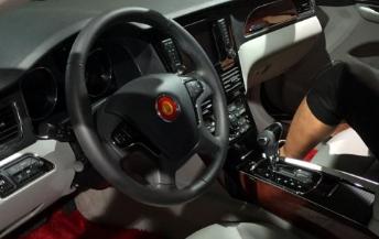 一汽红旗h7:四驱版亮相 配双离合变速箱