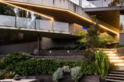 布里斯班声望很高的房地产市场有望在春季启动数百万美元的交易