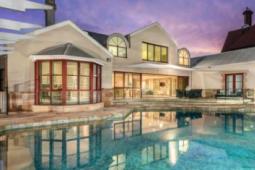 巨大的克莱菲尔德庄园在布里斯班拍卖会上以410万澳元的价格售出