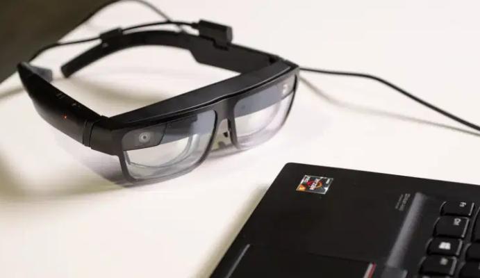 联想的ThinkReality A3企业级AR眼镜可实现公共数据可视化