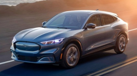 福特到2030年将完全转向电动跨界车