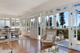 曼利海滩的最后一个棚屋以775万美元的价格创下街道纪录