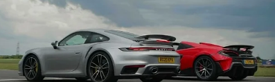 保时捷911 Turbo S飙车迈凯轮600LT轻盈无与伦比
