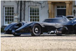 真人大小的蝙蝠车复制品在Bonhams拍卖
