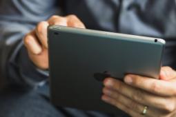 Apple 决定 iPad 应该拥有自己的操作系统