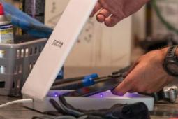 mophie和InvisibleShield推出手机紫外线消毒剂等产品