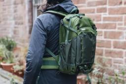 舒适宽敞的徒步背包他是紧凑型背包吗