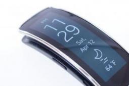 三星 Gear Fit 手环的软件评测